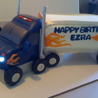 Semi-Truck Birthday Cake   Semi-Truck Birthday cake