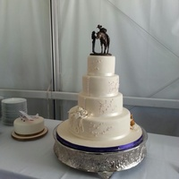 Wedding Cakes this cake mirrors the brides dress