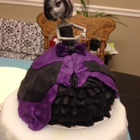 Monster High Cake   Doll is real but dress is cake with MMF