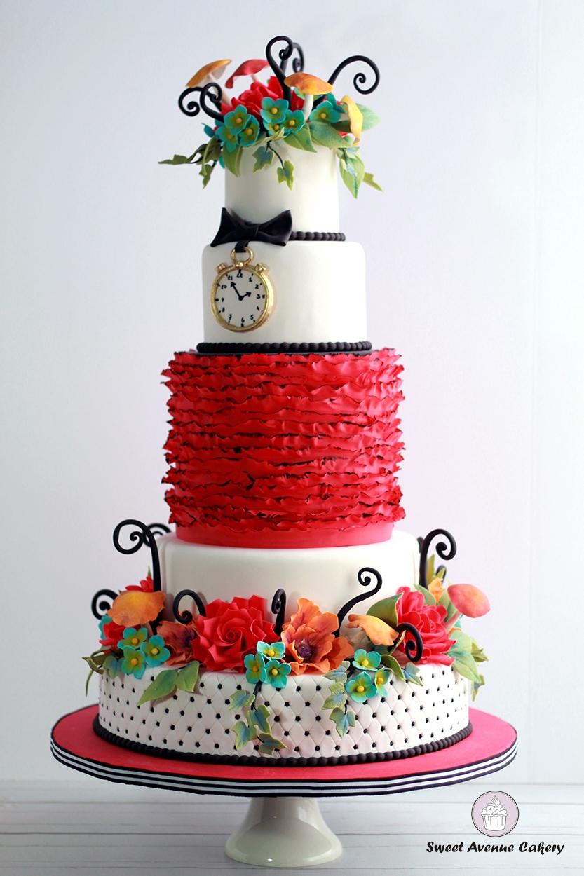 Alice In Wonderland Wedding Cake Alice in Wonderland Wedding Cake