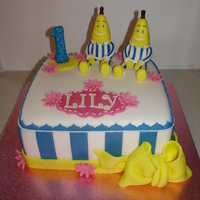 Bananas In Pyjamas Fondant Cake (Dec 2014) Made everything from Fondant/Gumpaste. Hope you like it!! xMCx
