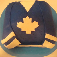 I Made This Cake For My Sons Hockey Team They Play In Leafs Colours I made this cake for my son's hockey team. They play in leafs colours.