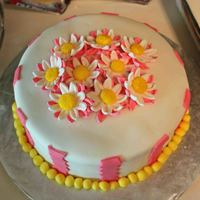 Mother's Day Daisies #2   Fondant icing, fondant flowers