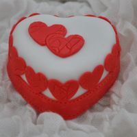 Mini Heart Mothers Day Cakes