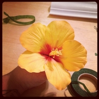 My First Hibiscus Flower bored on sunday so I decided to try a new flower I've never made before :-)