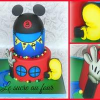 Mickey Mouse Club House Cake I Airbrushed The Hand The Shoe The Second Tier And The Base Cake Drum Mickey Mouse club house cake. I airbrushed the hand , the shoe, the second tier and the base (cake drum).