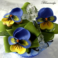 Pansy Cookie Bouquet