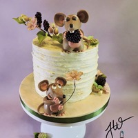This Is The Little Thanksgiving Cake I Made For My Family These Cute Little Mice Are Having Fun Berry Feasting And Some Holiday Mischief T... This is the little Thanksgiving cake I made for my family.These cute little mice are having fun berry feasting and some holiday mischief....