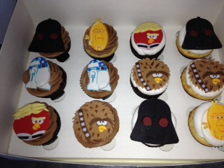 Angry Birds Star Wars Cake & Cupcakes