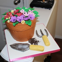 Gardening Flower Pot Cake With Sculpted Tools