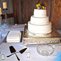 Simple Wedding Cake This wedding cake was delivered to a barn that was about 90 degrees....STRESSFUL!!