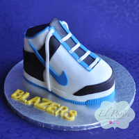 Basket Ball Shoe Cake I Made This Cake For My Sons Basketball Party This Is A Chocolate Cake Filled And Covered With Chocolate Buttercre Basket ball shoe cake - I made this cake for my son's basketball party. This is a chocolate cake filled and covered with chocolate...
