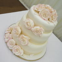 Romantic Roses Wedding Cake