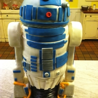 Star Wars/ R2D2 Cake R2D2 cake complete with a moving head, blinking red light, and sound module installed with an R2D2 sound recording. The head and arms are...