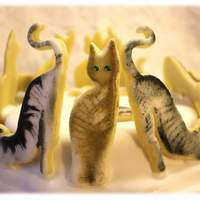 Golden Mazipan 2D Cats Cake Topper golden mazipan 2D cats cake topper