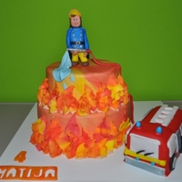 Fireman Sam vanilla sponge with yogurth and respberry creamchocolate sponge with coconut and nutella cream