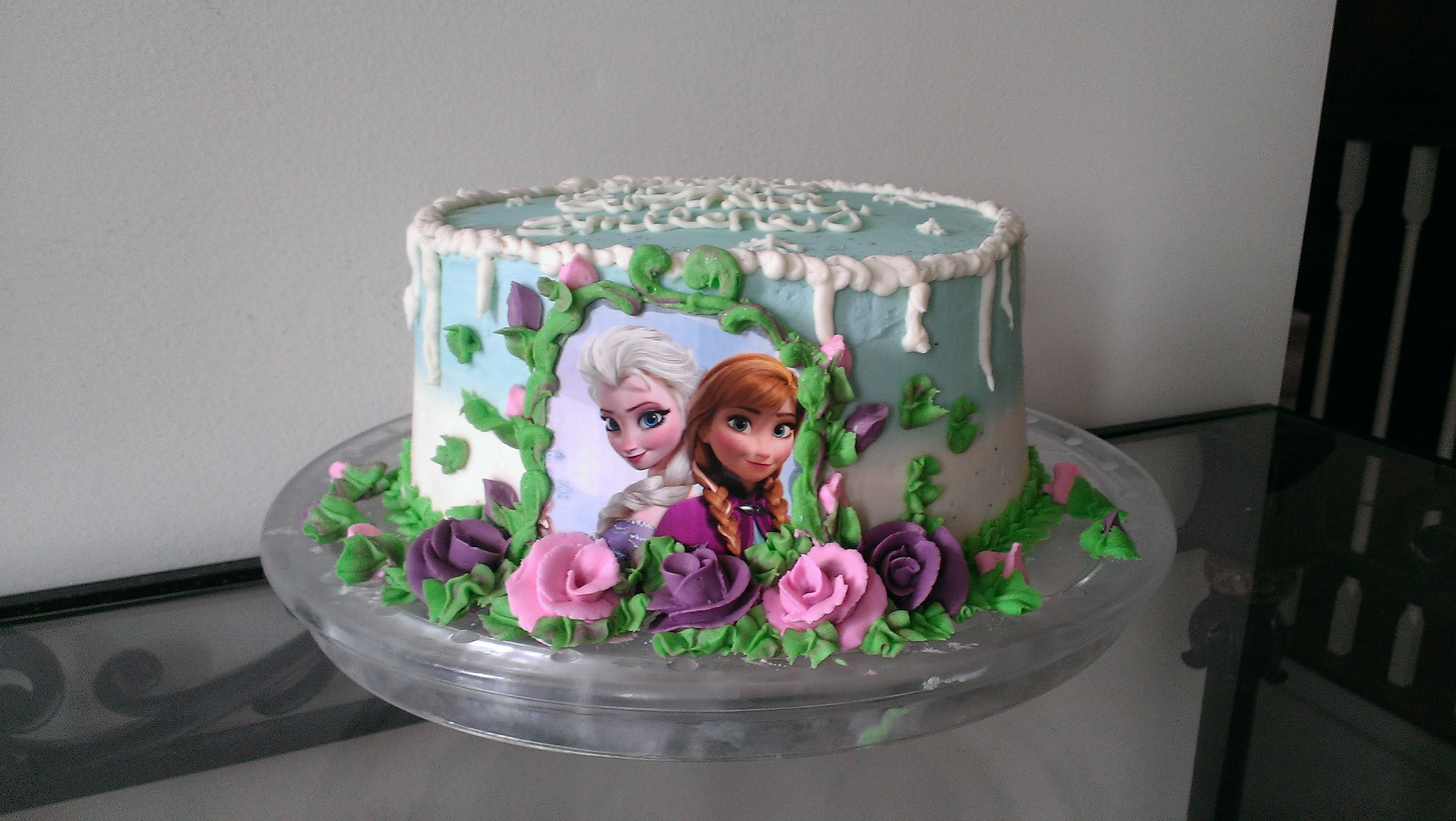 Anna And Elsa Frozen Buttercream Cake