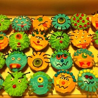 Monster Cupcakes Monster cupcakes that I made for my son's 5th birthday.