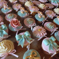 Sweet Romantic Pastel Cupcakes   I made these cupcakes for weddingplanners
