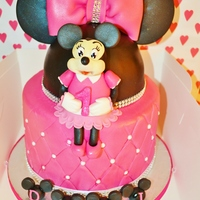 March 2013 2 tier minnie mouse cake