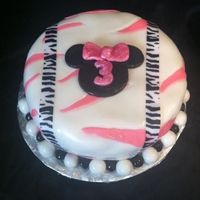 Minnie Mouse Cake Made of fondant and edible glitter