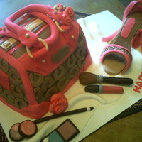 Coach Purse And Shoe Cake Thanks to the over 1600 coach purse cakes on this site I was able to make my first purse and shoe. This was very fun to make and I am...
