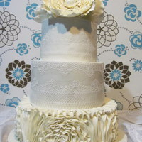 Lace And Giant Peonys ! First big wedding cake! TFL! ♥♥