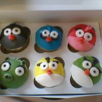 Angry Bird Cupcakes These were so much fun to make!