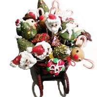 Christmas Pops In A Sleigh Cake Pops make unique gifts.