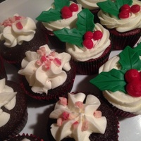 Chocolate Peppermint Crunch Cupcakes With Peppermint Buttercream Frosting And Red Velvet Cupcakes With Cream Cheese Frosting And Holly... Chocolate peppermint crunch cupcakes with peppermint buttercream frosting and red velvet cupcakes with cream cheese frosting and holly...