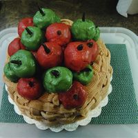 Thanksgiving Caramel Apple Cake With Apple Cinnamon Cake Pops