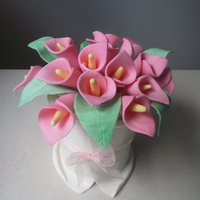 Calla Lily Bouquet Cake I made first time calla lily and My second fondant cake...