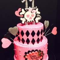 Pink And Black Scull Cake Pink and black scull cake