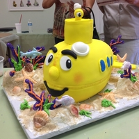 Yellow Submarine Took a class with the awesome Susan Carberry at the Cake Cottage and this was my end result cake.
