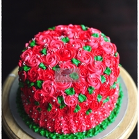 Red Roses Cake The Concept Was Garden Wedding And The Bride Asked For Shocking Red Instead Of Pink So Ive Added Some Green To Make It Loo Red Roses Cake The concept was garden wedding and the bride asked for shocking red instead of pink, so I've added some green to make...