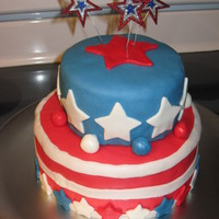 4Th Of July Cake   July 3 2011, my first 2 tier fondant cake