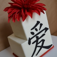 *love* Square cakes covered in mmf. Mmf border and character, with silk dahlia. Tfl!
