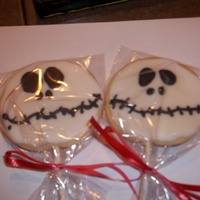 Happy Halloween !!!  Made these cookies for a halloween party, my first real time making any decorated cookie like these : ) the cookie is NFSC and the icing is...