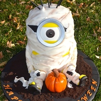 Mummy Minion This Is The Cake I Made For A School Halloween Party Mummy Minion! This is the cake I made for a school halloween party.