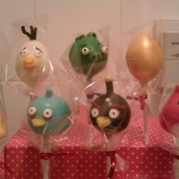 Angry Birds Cake Pops *