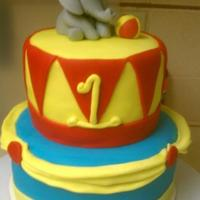 1321211084.jpg I made this cake for my sons circus bash!