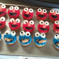Cute But Simple Elmo And Cookie Monster Cupcakes