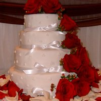 Wedding Cake Wedding cake with real flowers.