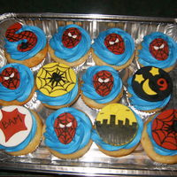 Spiderman Cupcakes Made Freehand Out Of Gumpastefondant spiderman cupcakes made freehand out of gumpaste/fondant