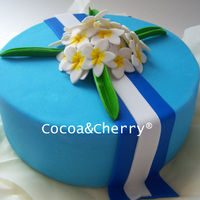 Sacuanjoches Cake, Native Nicaraguan Flower. This cake was made for a Nicaraguan lady the flowers are Sacuanjoches a native nicaraguan flower, and the lace are the Nicaragua flag...