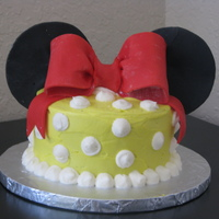 Mini Minnie Cake Mini smash cake....I am taking my kids on a surprise trip to Disney and thought it would be cute to give them a cake as a clue to our...