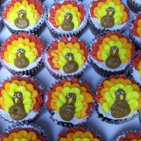 Turkey Cupcakes   Chocolate cupcakes with buttercream frosting for Thanksgiving.