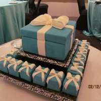 Tiffany Gift Box And Mini Tiffany Cakes