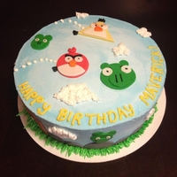 Angry Birds Birthday Cake   Buttercream icing with fondant characters