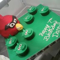Angry Bird Cake And Pig Cupcakes *Angry Bird cake and pig cupcakes